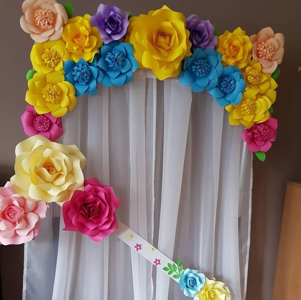 Cvetni zid od vestackog cveca
