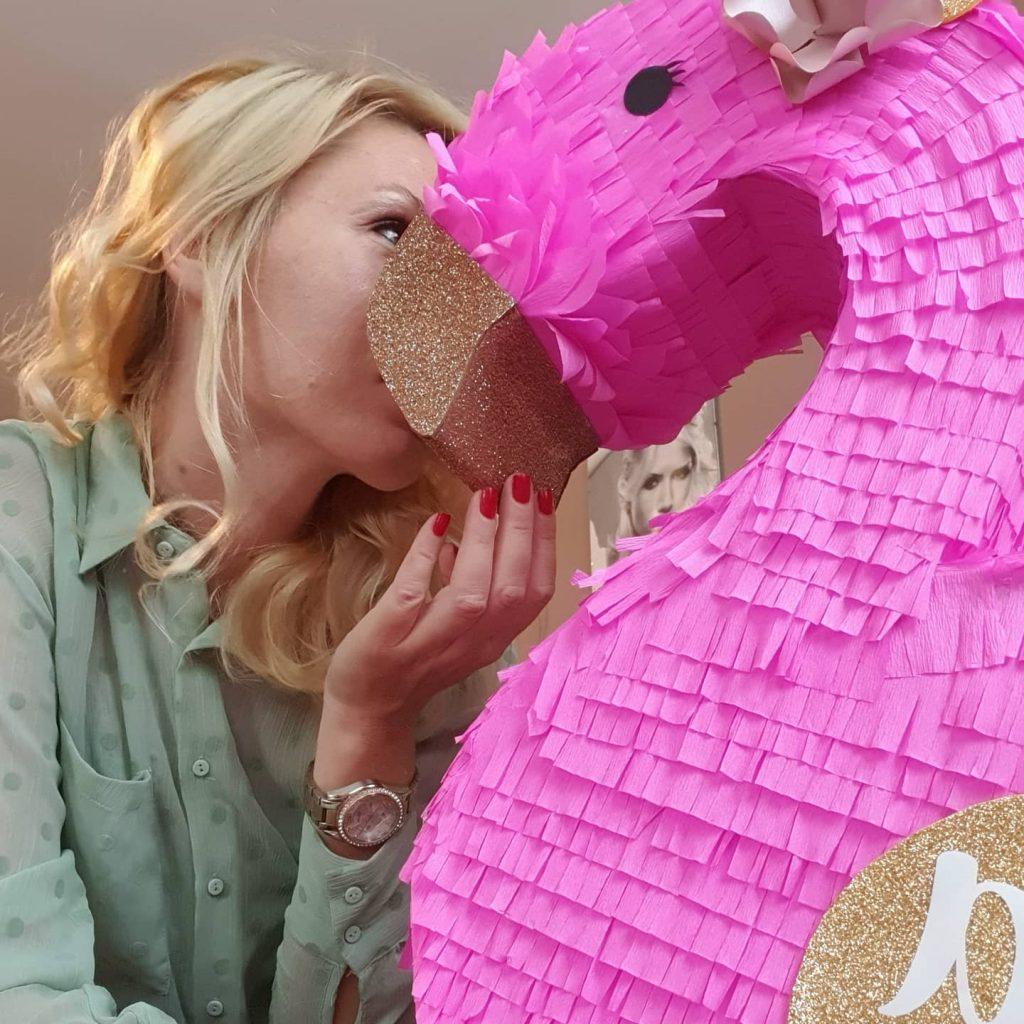 Nadine Pinjate - Pinjata Flamingo